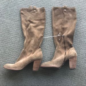Ugg Cognac Suede Ava Heeled Boots Size 10